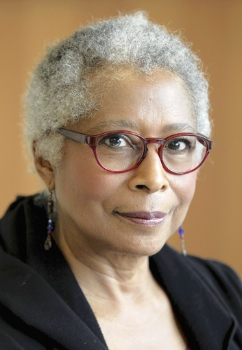 am i blue alice walker Am i blue is one of the writings by alice walker that hold the distinction of being banned but reading it does not seem to clarify the reason why the article should be banned in the first place.